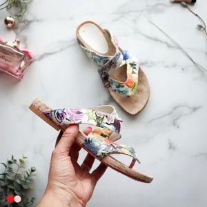 DONALD J PLINER Flip floral strap leather sandals